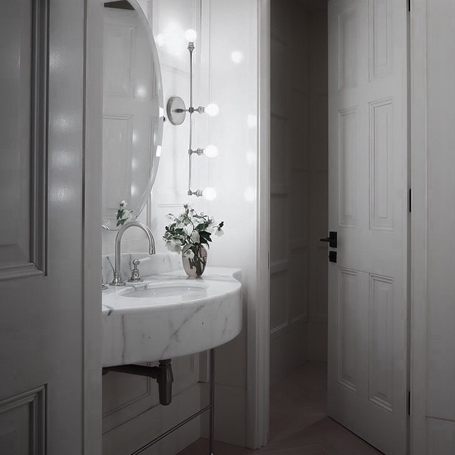 VANITY-SCONCE-view-the-situation-in-the-best-possible-light